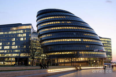 City Hall Digital Art - London Uk City Hall by Richard Wareham