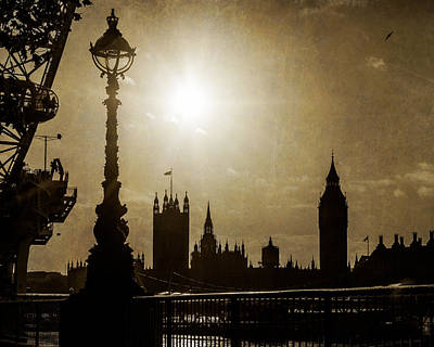 Photograph - London Uk Houses Of Parliment In Silhouette by Susan Schmitz