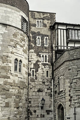 Photograph - London Walls Bw by Lutz Baar