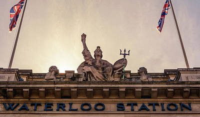Photograph - London Waterloo Station Statue by Jacek Wojnarowski