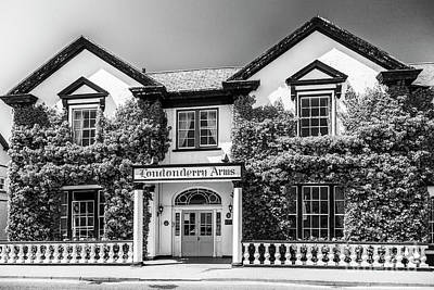 Photograph - Londonderry Arms Hotel by Jim Orr