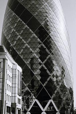 Futurism Architecture Wall Art - Photograph - London's Gherkin by Shaun Higson