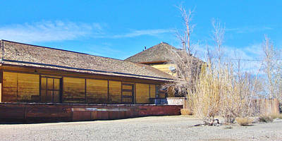 Photograph - Lone Pine Depot by Marilyn Diaz