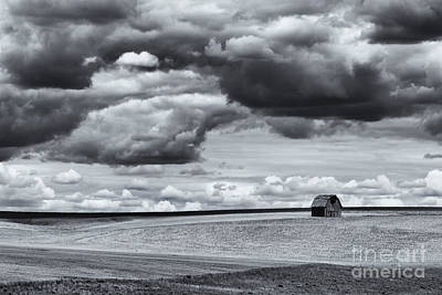 Photograph - Lonely Barn by Mike Dawson