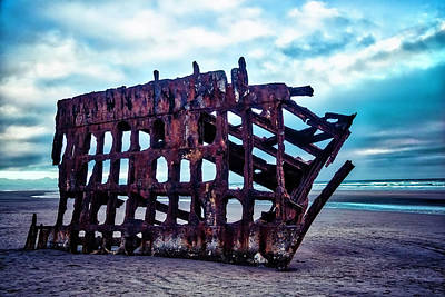 Peter Iredale Photograph - Long Forgotten Shipwreck by Garry Gay