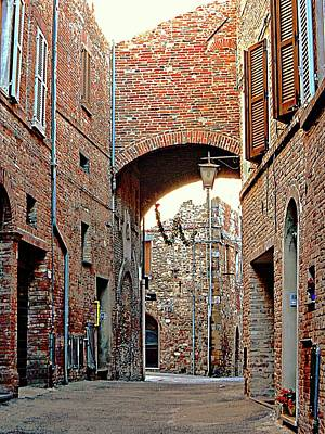 Photograph - Look Back Under The Arch Citta Della Pieve Umbria by Dorothy Berry-Lound