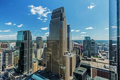 Photograph - Looking Across The City by Lonnie Paulson