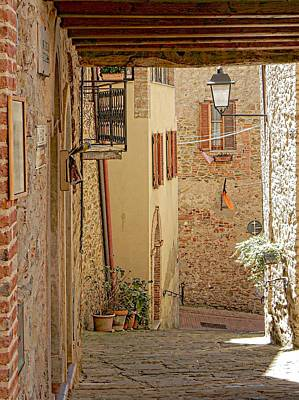 Photograph - Looking Down To Via Della Pitalessa Paciano by Dorothy Berry-Lound