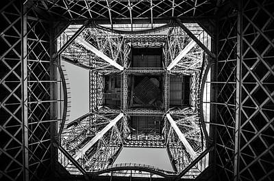 Looking Up Art Print by Miguel Winterpacht