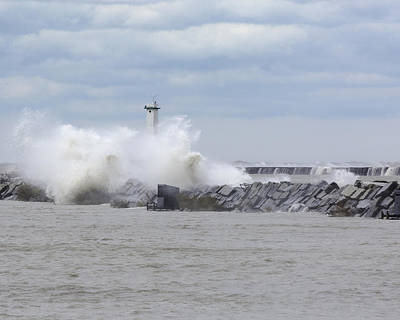 Photograph - Lorain Ohio Harbor Left Breakwater Light by Jack R Perry