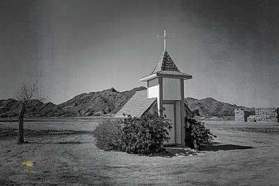 Photograph - Loren Pratt's Little Chapel by Jim Thompson