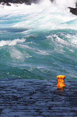 Photograph - Lost In The Sea by Edgar Laureano