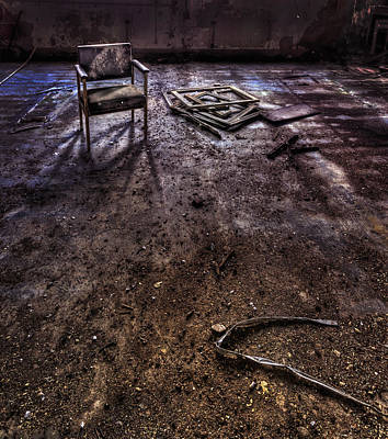 Abandoned Insane Asylum Photograph - Lost In Your Own Mistakes by Evelina Kremsdorf