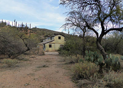 Old Country Roads Photograph - Lost Ranch by Gordon Beck