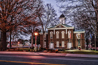 Photograph - Loudon Courthouse Christmas by Sharon Popek