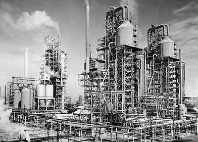 Photograph - Louisiana: Oil Refinery by Granger
