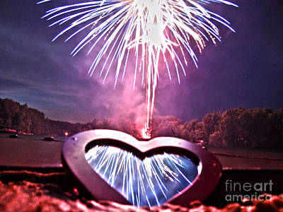 Photograph - Love Is In The Air by Mike Bruckman