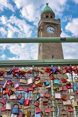 Photograph - Love Locks On St. Pauli Bridge by Fabrizio Troiani