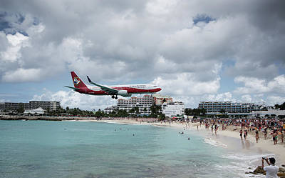 Photograph - Low Landing At Sonesta Maho Beach by Nick Mares