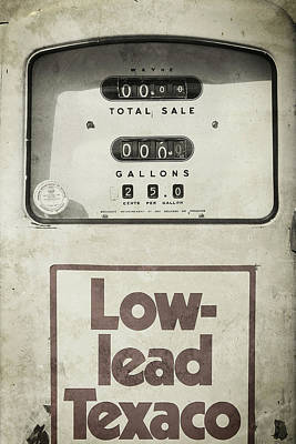 Photograph - Low-lead by Bud Simpson