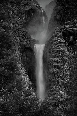 Lower And Middle Yosemite Falls In Black And White Art Print
