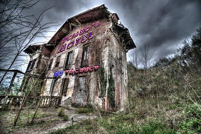 Photograph - Luciano's Motel by Enrico Pelos