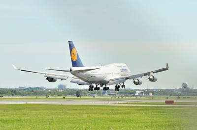 Photograph - Lufthansa Airlines 747 by Puzzles Shum