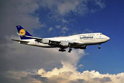 Lufthansa Boeing 747-430 Art Print