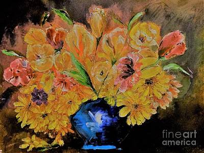 Floral Painting - Luminous Yellow Ochre And Red Floral Bouquet Painting by Lisa Kaiser