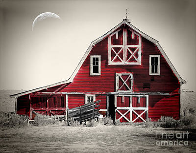 Americana Painting - Luna Barn by Mindy Sommers