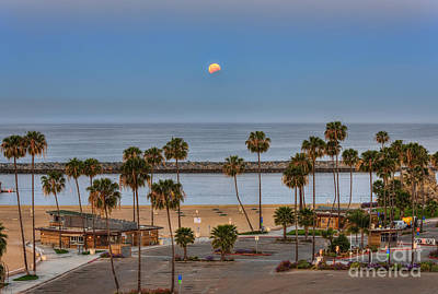Nikon Digital Art - Lunar Eclipse Moonset by Eddie Yerkish