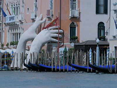 Photograph - Lurking In Venice by S Paul Sahm