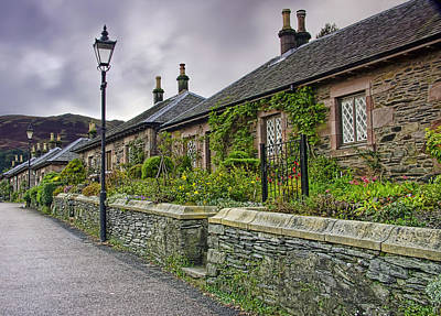 Luss Cottages Art Print by Sam Smith