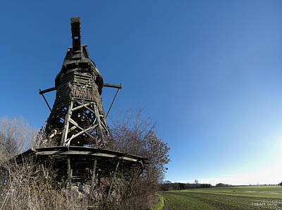 Old Mills Photograph - Lydinge Windmill by Robert Lacy