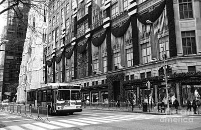 M1 On 5th Avenue Art Print by John Rizzuto