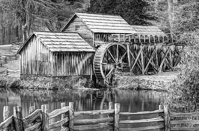 Mabry Mill Black And White - Blue Ridge Parkway Art Print