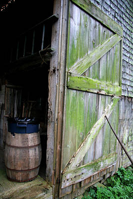 Photograph - Madeline's Barn. by Mark Alesse