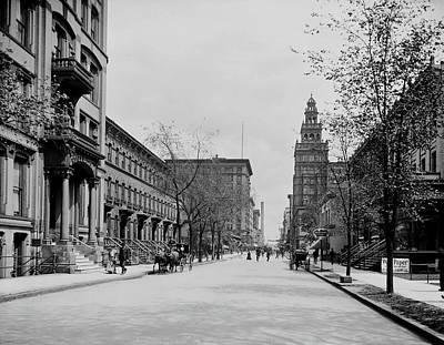 Photograph - Madison Avenue - Toledo Ohio 1905 by L O C