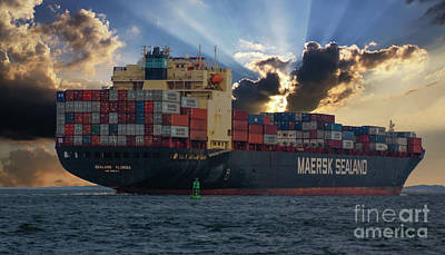 Photograph - Maersk Sealand Leaving Charleston South Carolina by Dale Powell