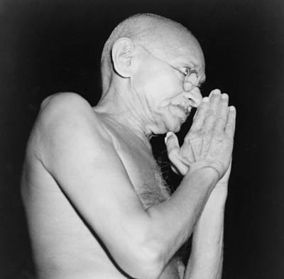 Gandhi Photograph - Mahatma Gandhi 1869-1948 In 1946 by Everett