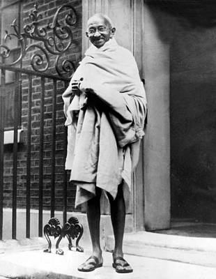 Gandhi Photograph - Mahatma Gandhi In1931 by Everett