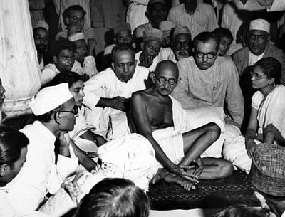 Gandhi Photograph - Mahatma Gandhi Listens To Muslims by Everett