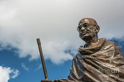 Photograph - Mahatma Gandhi Statue Cardiff by Steve Purnell