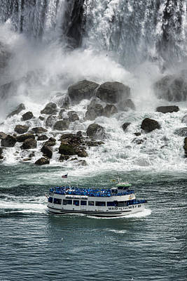 Waterfalls Photograph - Maid Of The Mist 1 by Stephen Stookey