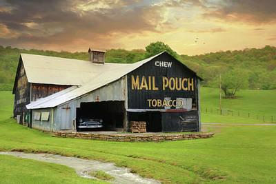 Mail Pouch Photograph - Mail Pouch Barn by Lori Deiter