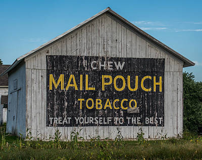 Mail Pouch Barn Photograph - Mail Pouch Tobacco Barn by Paul Freidlund