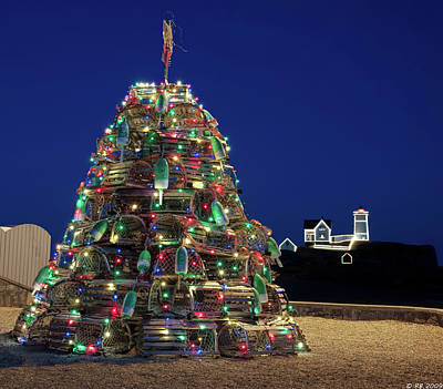 Photograph - Maine Lobsta Trap Nubble Christmas by Richard Bean