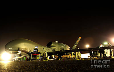 Night Hawk Wall Art - Photograph - Maintenance Performed On A Rq-4 Global by Stocktrek Images