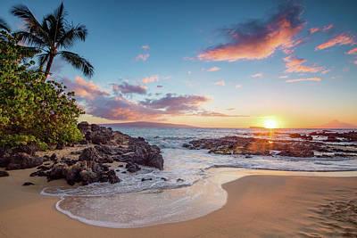 Beach Sunset Wall Art - Photograph - Makena Cove by Drew Sulock