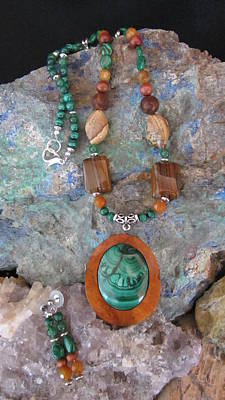Jewelry - Malachite In Gourd Wood #d170 by Barbara Prestridge